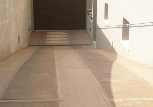 realizzazione-rampe-carrabili-antiscivolo-cemento-lecce